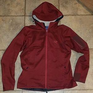 Women's sz medium Arc'teryx soft shell jacket
